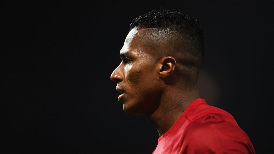 9 Musim bersama Manchester United, Valencia tak juga lancar berbahasa inggris