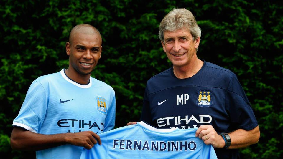 Fernandinho saat pertama kali bergabung dengan Manchester City